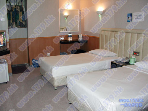Hong Kong Budget Hostel in Kowloon Jordan area Champion Guest House Cheap hotel