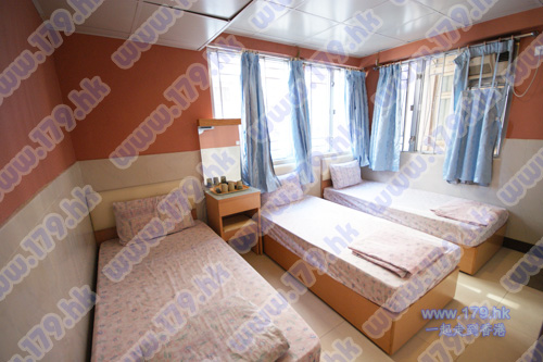 Budget guest house in causeway Bay CWB for backpacker cheap room rental