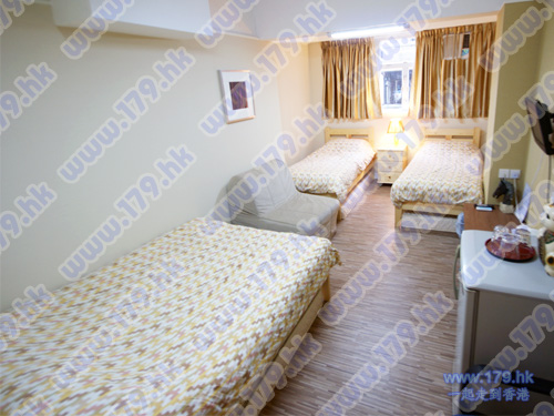 Rooms for Tourist cheap hotel room with windows in TSTcheap accommodation tuorist guesthouse